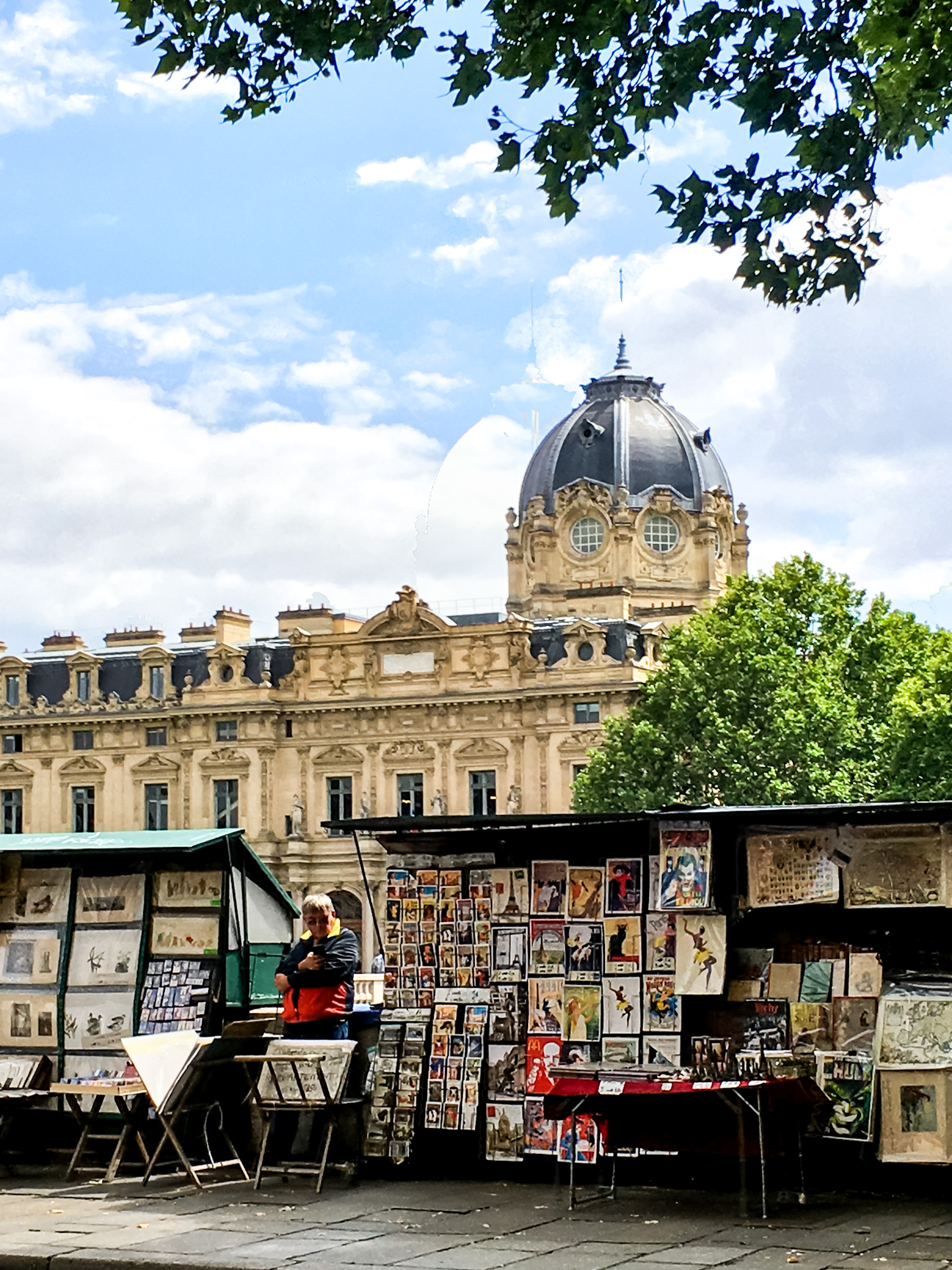 HOW TO VISIT PARIS